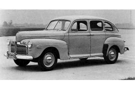 1942 Ford 21 A-73B Super DeLuxe Fordor Sedan