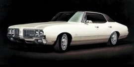 1970 Oldsmobile Cutlass Holiday Sedan