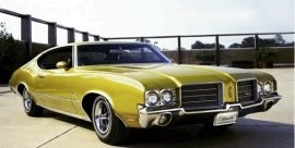 1970 Oldsmobile Cutlass S Holiday Coupe