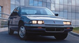 1993 Pontiac Grand Prix LE 4-Door Euro-spec