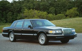 1995 Lincoln Town Car Signature Series