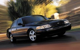2003 Ford Crown Victoria LX Spor