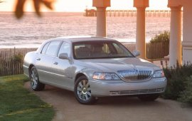 2004 Lincoln Town Car Ultimate L