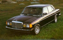 1982 Mercedes Benz 300D Turbo Sedan