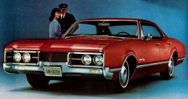 1967 Oldsmobile Delmont 88 Town 4 Door (330/425)