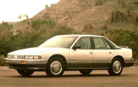1990 Oldsmobile Cutlass Supreme SL 4 Door