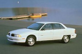 1995 Oldsmobile Achieva S 4 Door