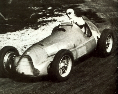 The Alfetta of Dr Guiseppe Farina at the shortest of the 1946 GP races, the Circuit of Milan