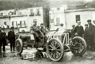 Vincenzo Lancia poses in his Fiat prior to the 1907 Targa Florio