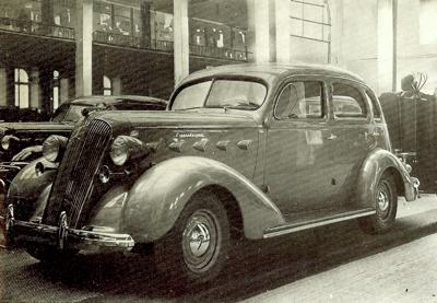Graham six-cylinder being exhibited at the 1936 Paris Show
