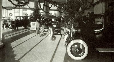 Oakland showroom circa 1924