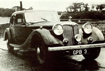 1938 Riley 16hp Big Four Kestrel sedan