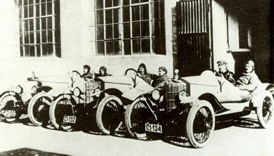 The Steyr-Puch team lines up prior to the start of the 1923 Targa Florio