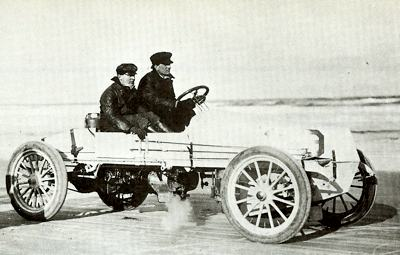 1905 White racer, known as 'Bob', being put through its paces by Rollin Whilte and Jay Webb