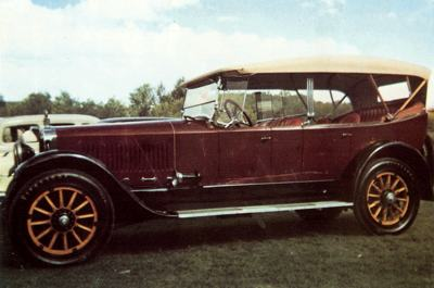 1919 Winton Model 24 seven passenger tourer